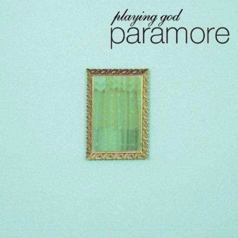 パラモア(Paramore)ビデオも奇妙で意味深な迷曲シングル『Playing God』(2010年作品)