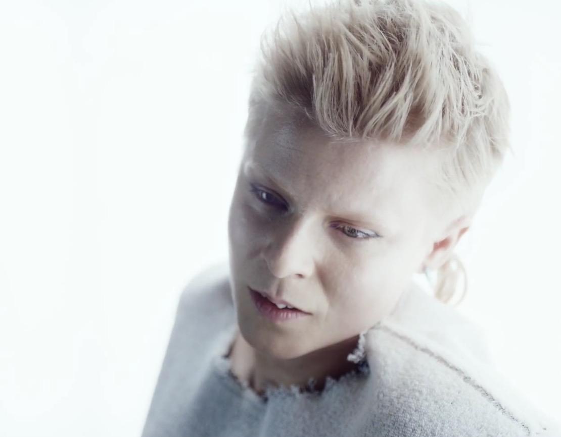 北欧電子ポップRöyksoppとRobyn「Monument」MV